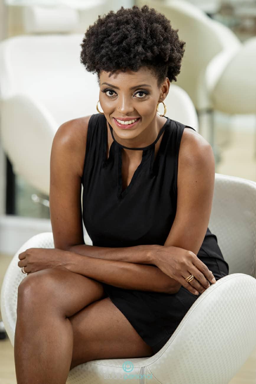 Josi Helena Souza, do canal Negra Vaidosa, é entrevistada pelo blog Calcinha Rosa-Choque