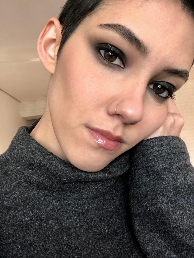 Beauty Kaká Olveira vencedora do prêmio Avon de Maquiagem 2018 Makeup Dia Mundial do Rock