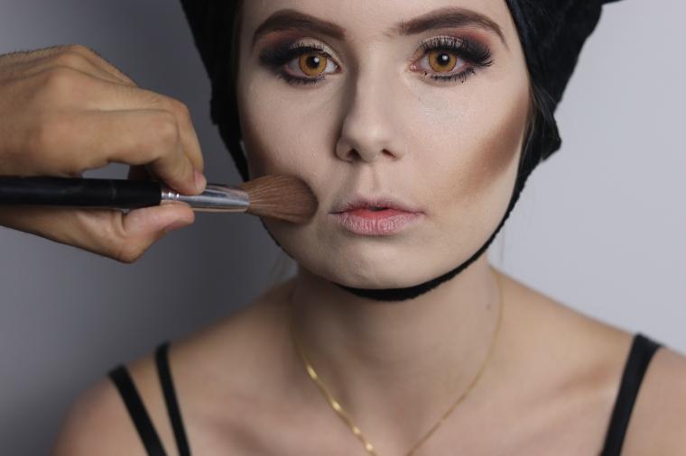 Blush Marrom Escuro Maquiagem Halloween Malévola