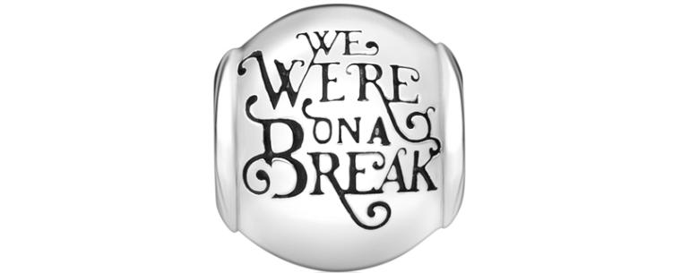 Charm-We-Were-On-a-Break-Friends-25-anos-Jolie-by-Monte-Carlo